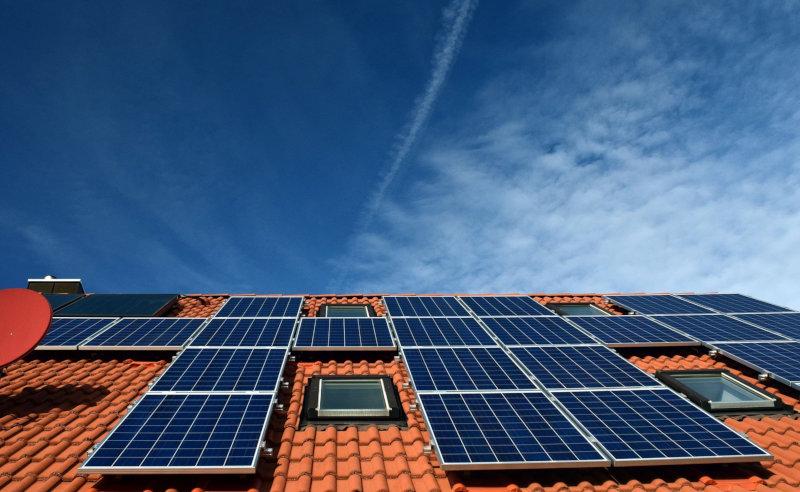 Instalación de placas solares en tejados en Canarias