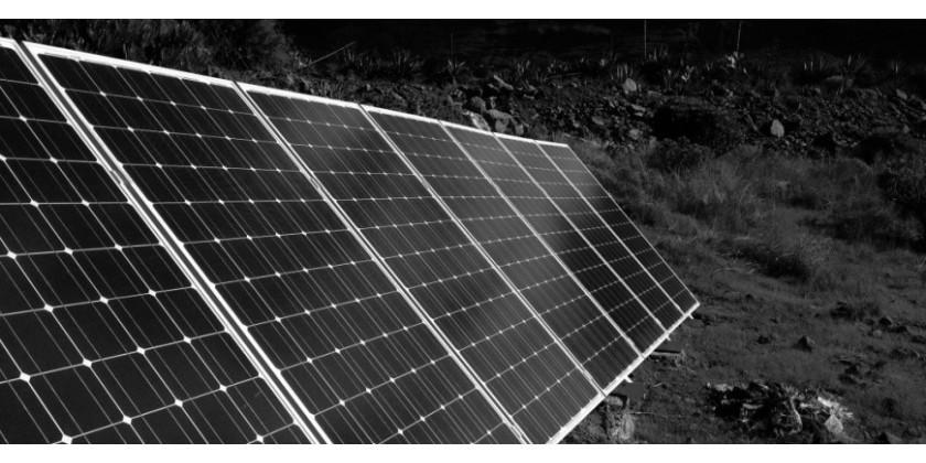 Casa rural autosuficiente abastecida con energías renovables